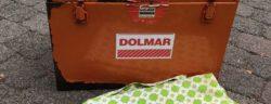 Wem gehören dieser Koffer und diese Decke? Hinweise bitte an die Polizei Stadtallendorf, Tel. 06428/93050.